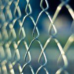 Comment personnaliser une clôture de fer ?